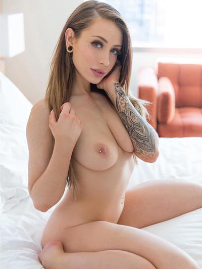 Fotos de mulheres peladas com tatuagem