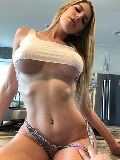 Mulheres gostosas usando top