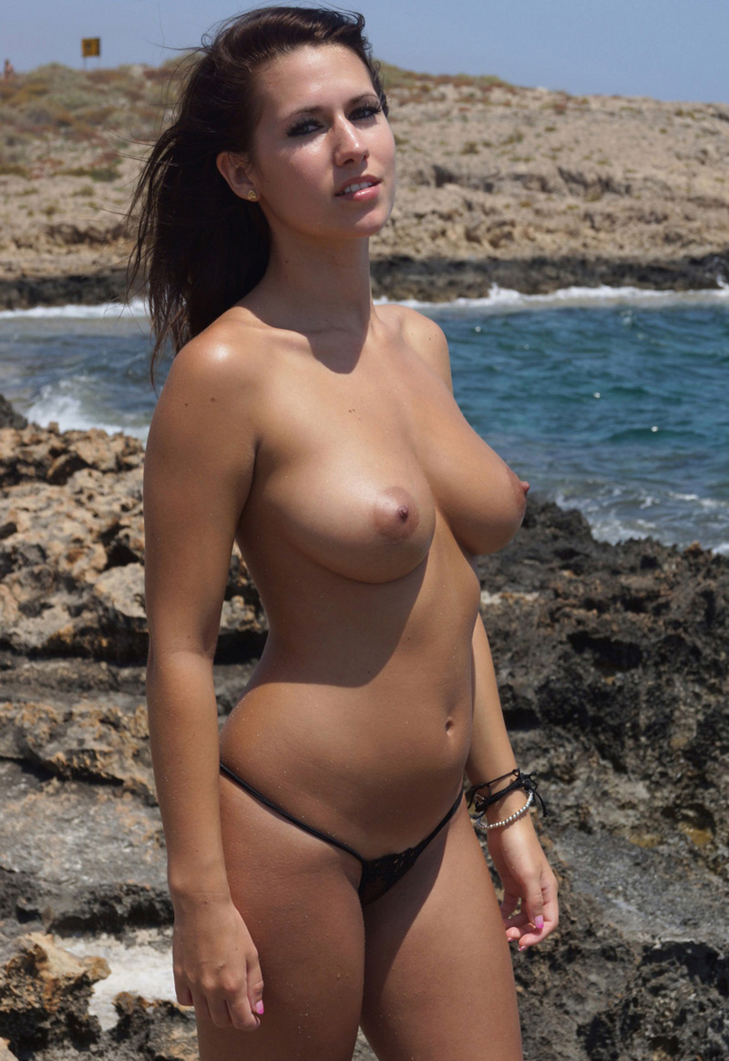 fotos de gostosas nuas na praia