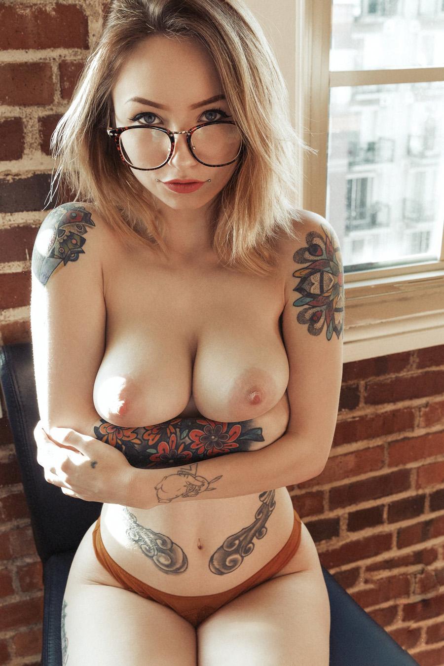 Namoradas gostosas tatuadas