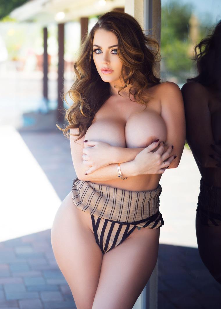 Sophie Dee Fudendo