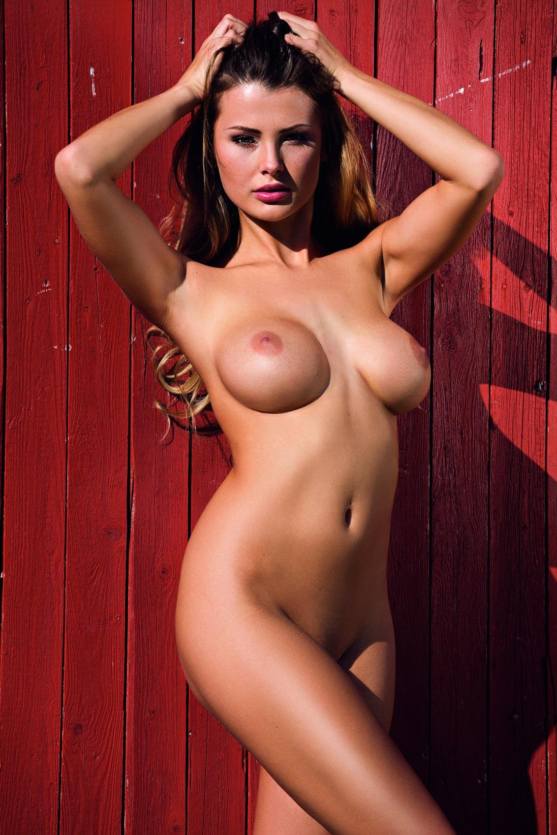 Fotos de safadas nuas mostrando os seios